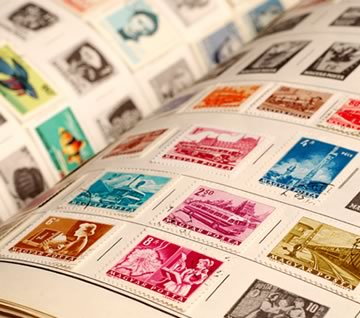 Коллекционер почтовых марок как называется 2 рубля 2000 года стоимость