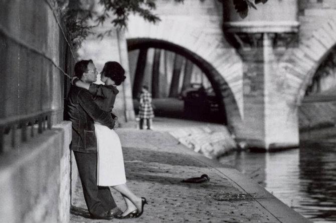 фото черно-белые парижа