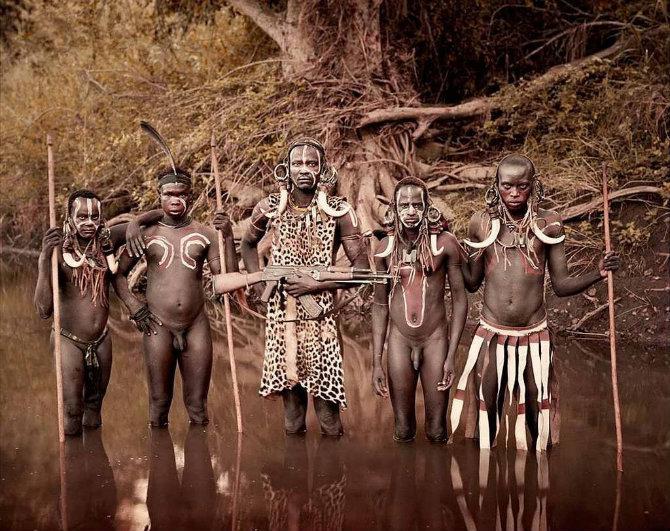 Дикие люди секс кино в джунглях фото 272-689