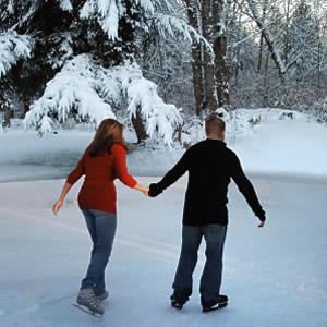 Девушка с парнем в парке на лыжах фото фото 679-161