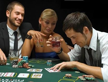 Жена играет в карты научиться играть в онлайн покер с нуля