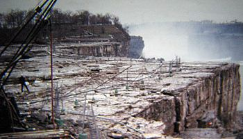 Водопад ниагара без воды