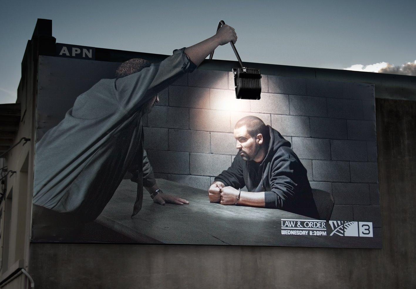 http://xage.ru/media/posts/2012/11/26/15-primerov-naruzhnoj-reklamy-kotoraja-tochno-privlechet-vashe-vnimanie_2.jpg