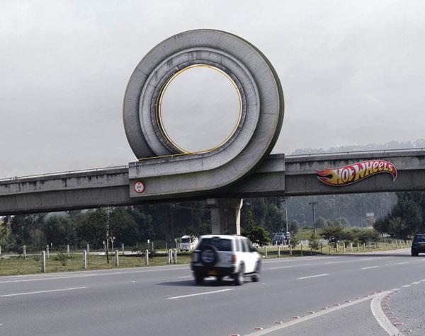http://xage.ru/media/posts/2012/11/26/15-primerov-naruzhnoj-reklamy-kotoraja-tochno-privlechet-vashe-vnimanie_7.jpg