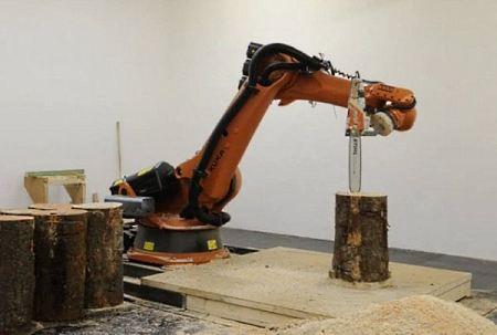 IT новості: робот з бензопилою