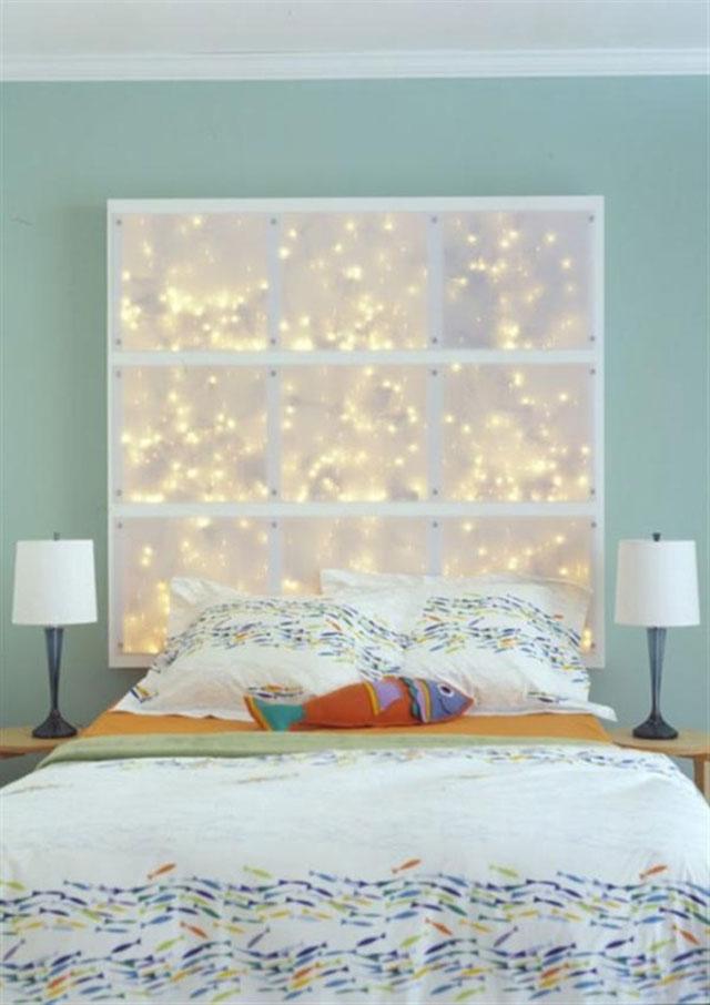 Декор стены у кровати