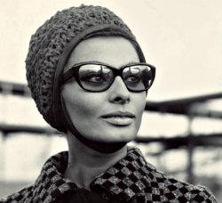 Окуляри: на що зараз мода, і причому тут 60-ті?